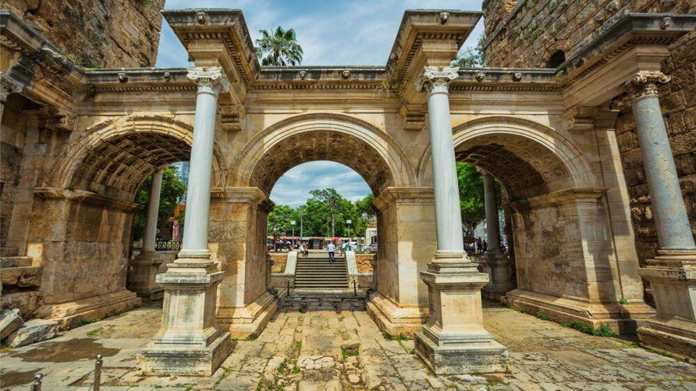 Puerta de Adriano, Turquía