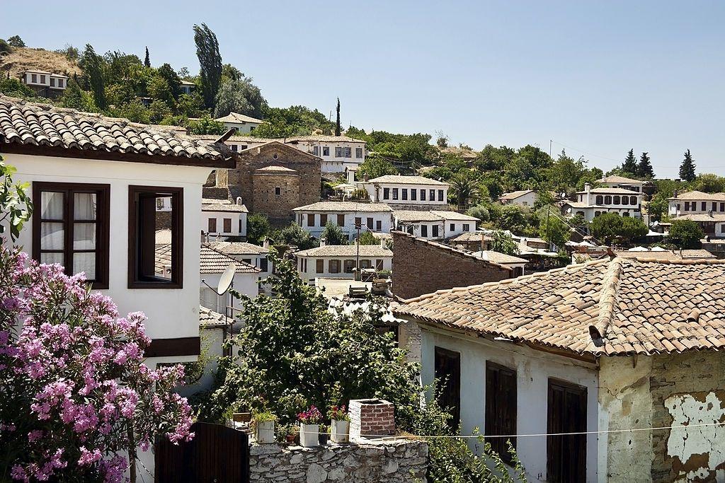 4- Visite el pueblo griego de Sirince.