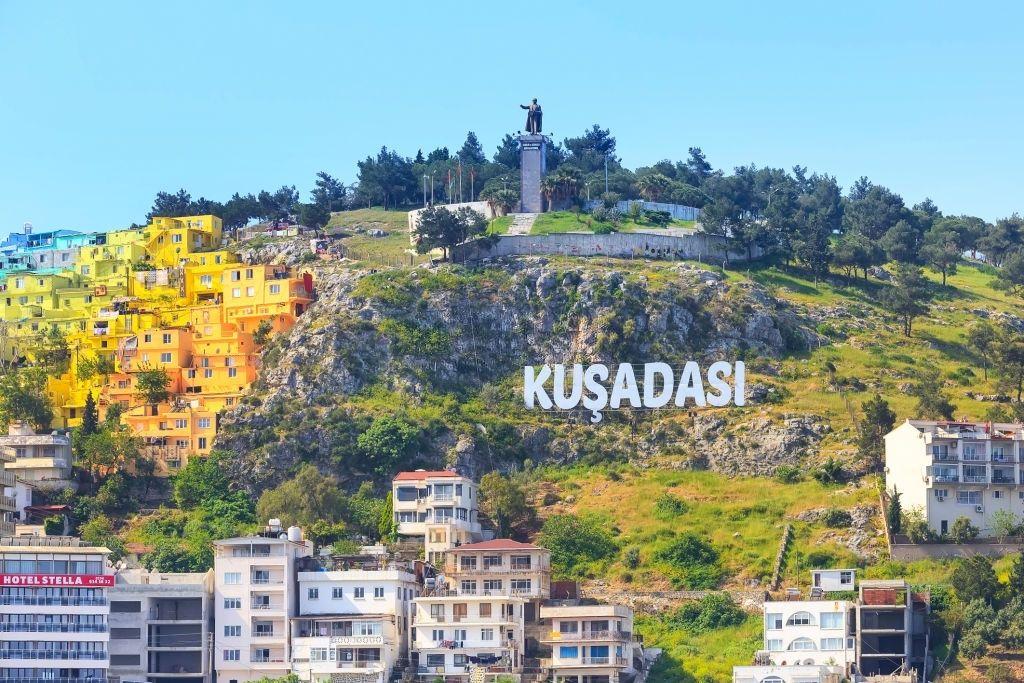 5 -Obtenga una increíble vista de Kusadasi desde la cima de la colina Ataturk.