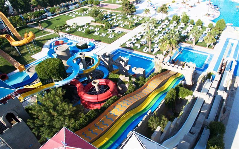 Long Beach Club Capello en Atlantis Aqua, Turquía